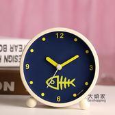 鬧鐘 日韓藝術可愛金屬鬧鐘創意靜音夜燈時尚數字學生床頭鬧鐘臥室裝飾 3色