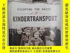 二手書博民逛書店Escaping罕見the Nazis on the Kinde