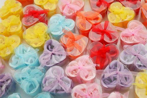 3朵玫瑰香皂花心形禮盒(婚禮佈置.手工皂.謝客禮.婚禮小物.二次進場)~~~