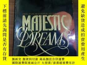 二手書博民逛書店英文書MAJESTIC罕見DREAMSY12153