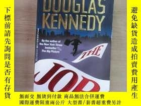 二手書博民逛書店英文書;THE罕見JOB DOUGLAS KENNEDY 共46