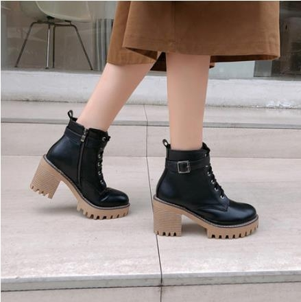 大碼粗跟短靴 2021年新款厚底防水臺英倫風馬丁靴女秋冬百搭粗跟高跟鞋 3C數位百貨