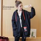 長版外套--率性質感帥氣抽繩連帽印花貼布口袋拷克反車外套(黑XL-4L)-J319眼圈熊中大尺碼