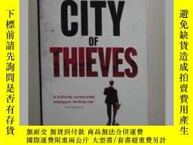 二手書博民逛書店英文原版罕見City of Thieves by Cyrus M
