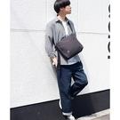 日本Rename 帆布 斜背包 台灣現貨 採用高密集纖維棉料 郵差包 通勤包 簡約 男女兼用 RSH-90033