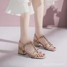 羅馬鞋 鉚釘粗跟涼鞋女年新款夏季時尚百搭方頭中跟一字扣帶羅馬涼鞋 城市科技