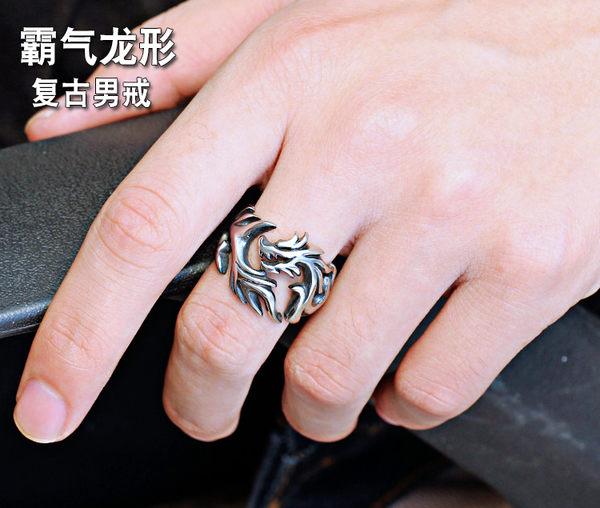 韓版個性霸氣龍戒潮流男士龍紋戒指時尚復古鈦鋼戒子潮男朋克飾品  巴黎街頭