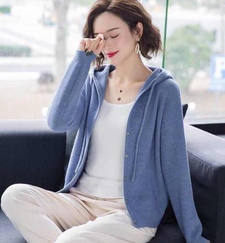 EASON SHOP(GW8412)素面包芯紗坑條針織連帽外套 針織外套 毛衣 排釦 短版 毛衣 小外套 羅紋