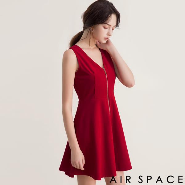 AIR SPACE V領露背拉鍊麂皮絨傘襬洋裝 2色