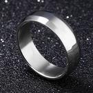 《QBOX 》FASHION 飾品【R100N253】精緻個性光滑素面折角鈦鋼戒指/戒環
