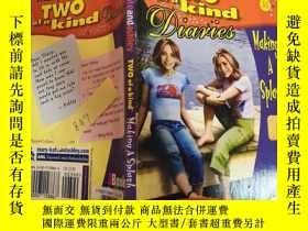 二手書博民逛書店two罕見of a kind diaries 兩本日記Y200392