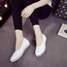 小白鞋一字牌護士鞋女白色坡跟軟底牛筋底美容鞋平底夏季防臭透氣小白鞋 凱斯盾