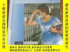 二手書博民逛書店Current罕見Controversies - Teen Pr