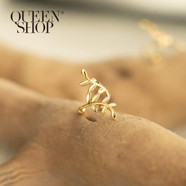 Queen Shop【07030628】葉子立體設計造型耳釦*現+預*
