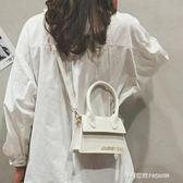 夏季ins超火包包女新款韓版百搭單肩斜挎字母時尚小方包  時尚潮流