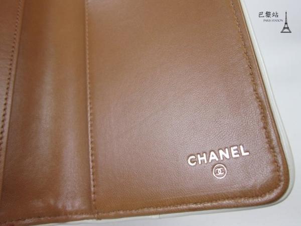 【巴黎站二手名牌專賣店】*現貨*CHANEL 香奈兒 真品*銀轉釦裝飾 駝色皮革對開筆記本筆記本套