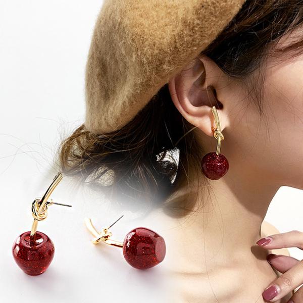 櫻桃女孩耳環針式穿耳韓版秋冬款流行飾品耳飾 HF09082 Ashley Workshop