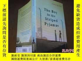 二手書博民逛書店The罕見Boy in the Striped PyjamasY