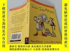 二手書博民逛書店Doctor罕見Judy Moody:朱迪·穆迪醫生Y200392