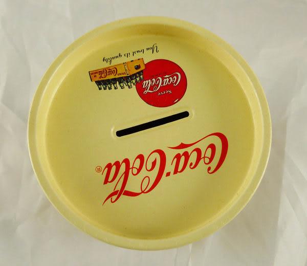 【震撼精品百貨】日式精品~圓形存錢鐵筒『Coca Coca』