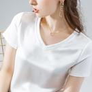 涼感衣 夏季涼感絲滑緞面醋酸面料V領短袖t恤女設計感寬鬆半袖鎖骨上衣女-Ballet朵朵
