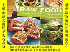 二手書博民逛書店Raw罕見Food: A Complete Guide for