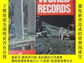 二手書博民逛書店GUINNESS罕見BOOK OF WORLD RECORDS(