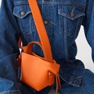 水桶包包女側背蝴蝶結時尚斜背包【愛物及屋】