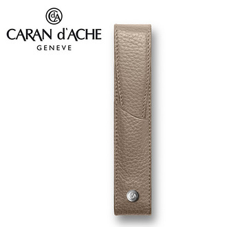 CARAN d'ACHE 瑞士卡達 LEMAN 利曼系列 小牛皮筆套. 駝(1) / 個