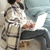 秋冬女多用途披肩辦公室午睡毯出口學生搖粒絨空調毯保暖防寒斗篷快速出貨