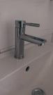 【麗室衛浴】國產精緻304白鐵 不鏽鋼 亮面盆龍頭 RB1107-2(全配304反爾.軟管)
