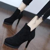 裸靴 歐美防水臺性感夜店高跟鞋女秋冬細跟短靴尖頭裸靴2020年新款靴子 降價兩天