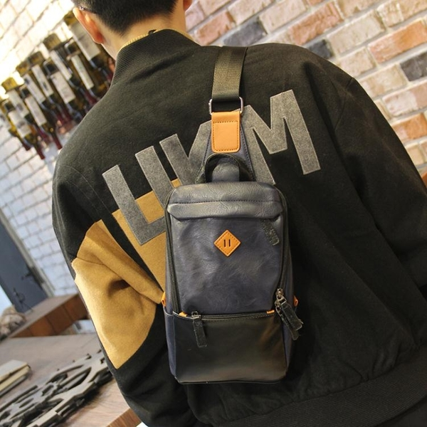 新款時尚撞色皮質胸包側背斜背包休閒百搭韓版學生小背包潮流男包 黛尼時尚精品