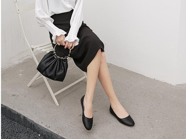大尺碼女鞋小尺碼女鞋圓頭蛇紋內增高包鞋平底鞋黑色(30-46)現貨#七日旅行