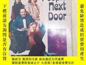 二手書博民逛書店THE罕見PEOPLE NEXT DOOR【以圖為準】A4270Y8620 THE PEOPLE NEXT D