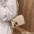斜背包 高級質感小包包女夏2021新款潮時尚洋氣錬條小方包褶皺單肩斜背包 俏girl