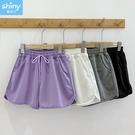 【V3319】shiny藍格子-簡著實搭.純色抽繩綁帶鬆緊腰運動休閒短褲