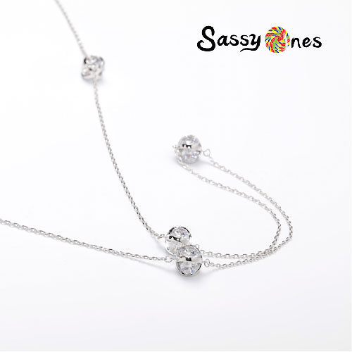 Sassy Ones時尚飾品-鏤空圓球極亮鋯石款項鍊