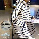 現+預 加絨加厚連帽抽繩橫條紋滾邊大口袋孕婦哺乳(橫拉式)上衣 藍【CRH19203】孕味十足。孕婦裝