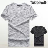 ToGetheR+【J6378】時尚簡約款雪花紋V領設計短袖上衣(二色)