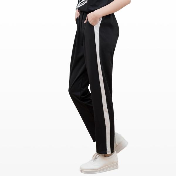 休閒褲--運動時尚Sport風側邊撞色休閒運動長褲(黑.藍XL-4L)-R186眼圈熊中大尺碼