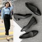 工作鞋女黑色春秋季低跟粗跟中跟高跟軟底空乘上班職業舒適皮鞋子 伊莎公主