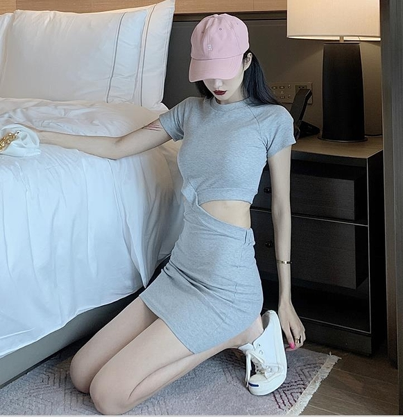 VK旗艦店 韓國風性感假兩件交叉鏤空露腰修身包臀短袖洋裝