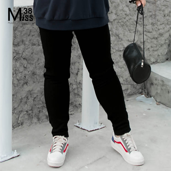 Miss38-(現貨)【A6697-1】大尺碼小腳打底褲 黑褲 彈力顯瘦 保暖內搭長褲(加絨加厚版)- 大尺碼女裝