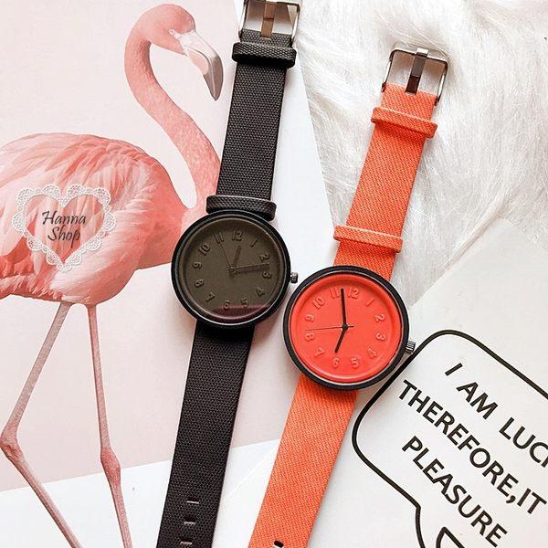 《花花創意会社》時髦感大數字錶徑彩色中性手錶。二色【H6471】
