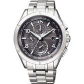 贈鱷魚皮錶帶 CITIZEN 星辰 光動能電波鈦金屬手錶-灰x銀/41mm AT8160-55H