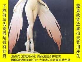 二手書博民逛書店Figures罕見In Fabric The Sculpture of Lisa Lichtenfels 織物雕塑