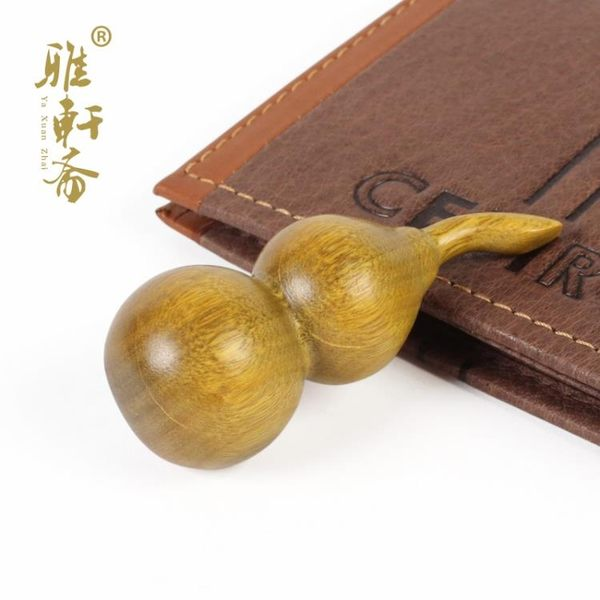[超豐國際]【雅軒齋】綠檀木雕手把件 生日禮物 綠檀小葫蘆 1入