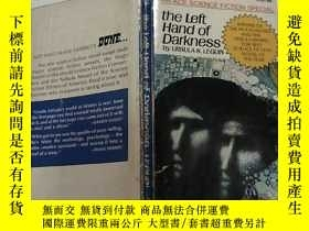 二手書博民逛書店The罕見left hand of darkness(黑暗的左手
