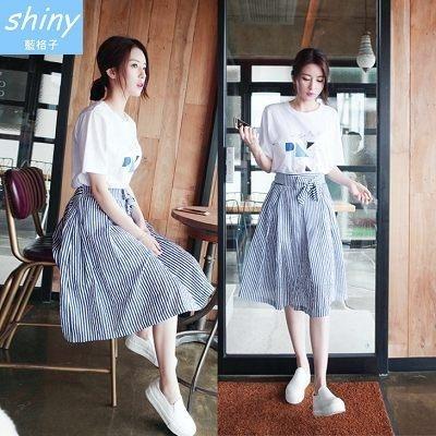 【V1660】shiny藍格子-夏日風格.簡約條紋鬆緊腰綁帶造型長裙
